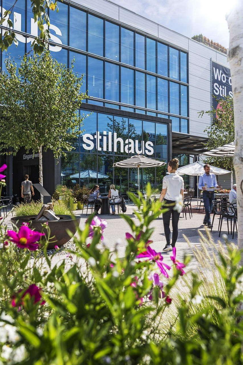 Xxxlutz Eröffnet Erstes Möbelhaus In Der Schweiz Verlag Strohmayer